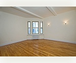 GOLD COST!!!JUST LISTED!!**FANTASTIC opportunity !**SPACIOUS GUT RENOVATED STUDIO*HURRY!!!